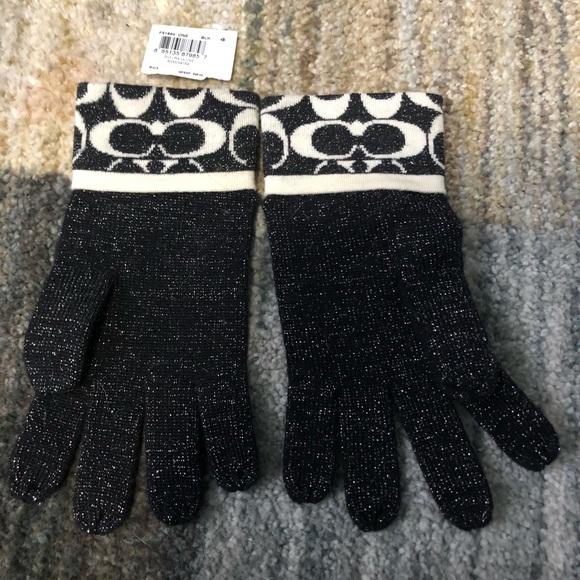 Coach knit gloves